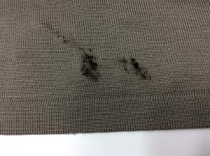 セーターの毛染めのシミ抜き